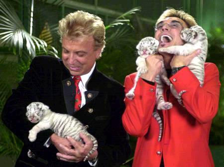 siegfried-n-roy2_102902.jpg